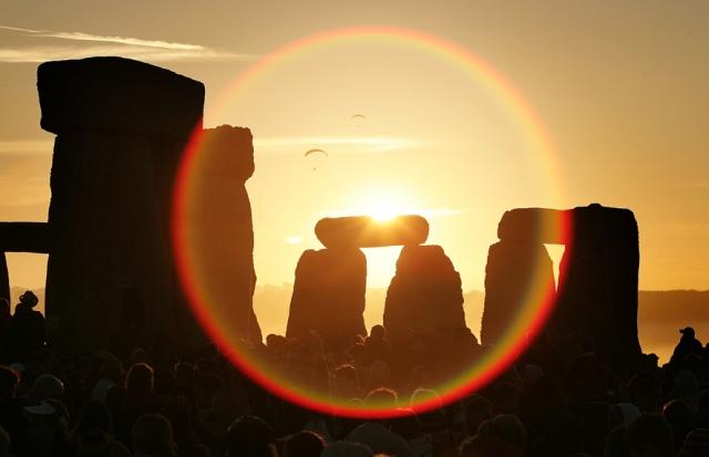 Druids Celebrate The Summer Solstice At Stonehenge